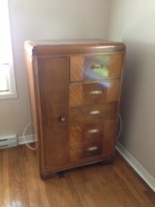 antique 5 drawer dresser // antique 5 tiroirs