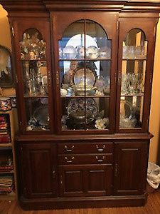 Lighted glass cabinet