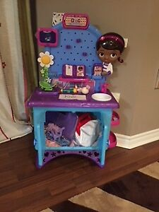 Disney Doc McStuffins exam office