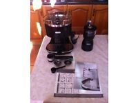 DeLonghi Espresso Machine /coffee maker and grinder in excellent condition
