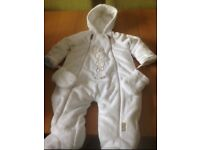 BEAUTIFUL BABY SNOWSUIT BRAND NEW