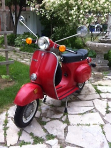 VESPA 100 SPORT - Scooter from early 80's