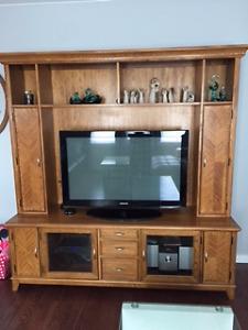 Oak TV / entertainment unit
