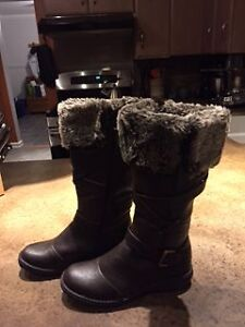 Comfy Moda XVNER Women's Winter Boots Kingston Kingston Area image 1