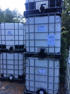 1000 litre Food Grade water totes. READ AD FOR PRICES!