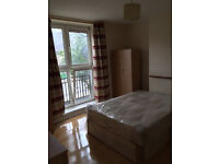 EXTRA BIG DOUBLE ROOM CLOSE TO VAUXHALL AND STOCKWELL - £750 PCM - ALL BILLS