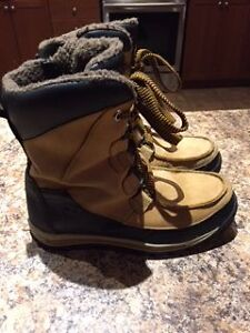 Size 5.5 Timberland Waterproof Winter Boots - Unisex