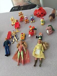 15 figurine,20 toutou,memo,barby,picine,maisonette,jeux,livres