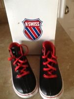 KSwiss youth size 9 NEW