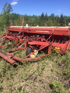 IHC Seed Drills in Peace River