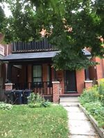 Parkdale /Roncesvalle-Sunny Cozy Main floor 1 bed Unit  for rent