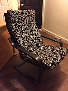BLACK AND WHITE POANG CHAIR WITH MATCHING FOOT STOOL