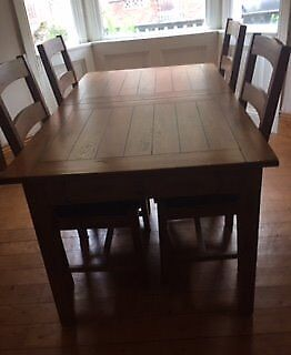 Solid Oak Extending Dining Table and 4 Leather Upholstered Oak Chairs