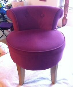 Pink Accent Chair-(used)