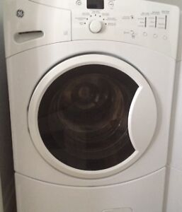 Laveuse et secheuse neuve à vendre/Washer and Dryer