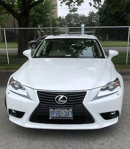 BEAUTIFUL FULLY LOADED LEXUS IS350, Luxury package, AWD.