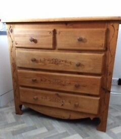 Hand made in France by artisan. Lovely 5 draw oak chest of draws (waxed) Easy to distress