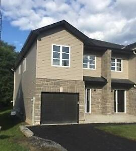 BEAUTIFUL 3BR SEMI-DETACHED WITH ATTACHED GARAGE