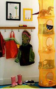 Hanging storage with 6 compartments