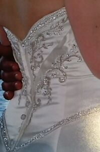 Beautifully Detailed Wedding Dress Kitchener / Waterloo Kitchener Area image 4