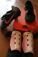 girls soccer shoes size 13.5 with shin guards