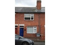 Charming 2 Bedroom house centrally located in Caversham - for lease