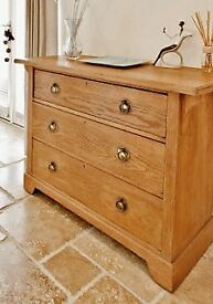 Chest of drawers- oak in Art Deco style