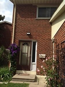 3 LARGE BDRM DVP/401, SHEPPARD AVE. E. AND DON MILLS