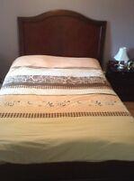 Solid Wood Bedroom Set (Queen Size)