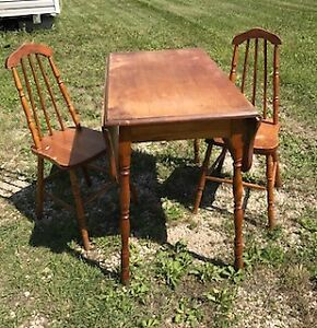 Vintage Maple Wood Drop Leaf Kitchen Table and Chairs