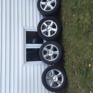 20 wheels and tires from 2008 Chev Tahoe