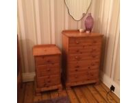 pine chest of drawers - tall with 5 drawers