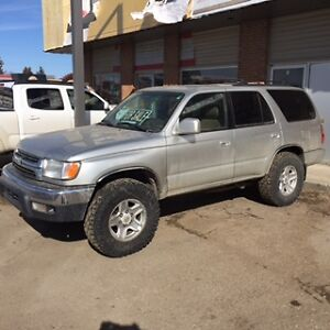 2001 Toyota 4Runner SR5 SUV, 4x4 great shape