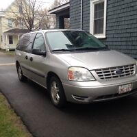 2005 Ford Freestar LOW MILES,  PRICE REDUCED (or best offer)