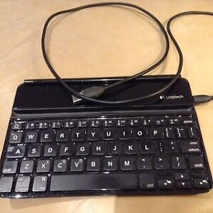 LOGITECH keyboard for ipad with cable