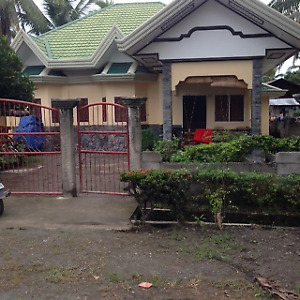 Cozy 3 bedroom House Near Mogbongcogan Beach Banaybanay