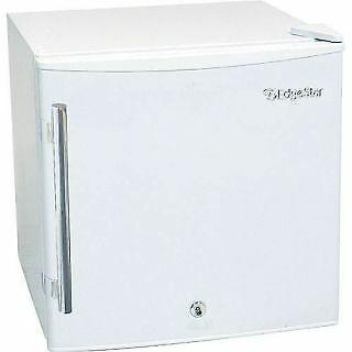 EdgeStar CMF151L-1 - Freezer Medical Appliances