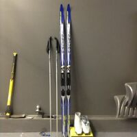 Ski bottes et bâton de marque Fischer