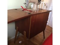 Sewing machine in Ducal table
