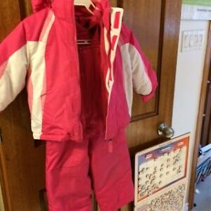 Snow suit (pants & jacket) girls 2-3 years West Island Greater Montréal image 1