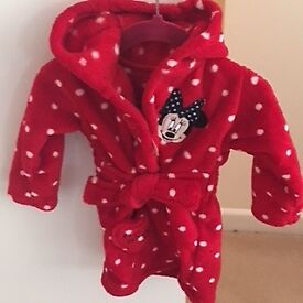 GIRLS TODDLERS MINNIE MOUSE HOODED DRESSING GOWN - RED WITH WHITE DOTS - AGE 6-9 mths