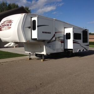 2009 Sundance 34 Ft. 5th Wheel Camper