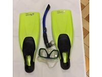 Snorkelling equipment set