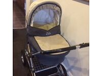 silver cross pram pusshchair car seat & carry cot all in good condition plus bits and bobs.