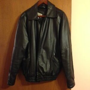 MENS LEATHER JACKET London Ontario image 2