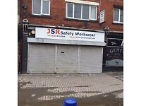 Extensively Large Shop Avilable To Let