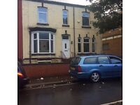 FARNWORTH BOLTON SPACIOUS DOUBLE ROOM IN LOVELY PERIOD HOUSE INCLUDING BILLS AND FREE WIFI