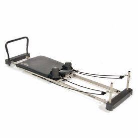 Aero pilates performer. Model 695