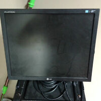 """LG MONITOR 17"""" FOR SALE"""