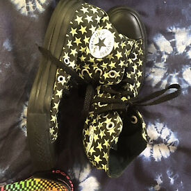 Black and Green glow in the dark canvas Converse shoes Size 4